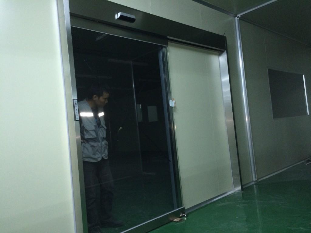Cửa tự động Hàn Quốc được lắp đặt hoàn tất