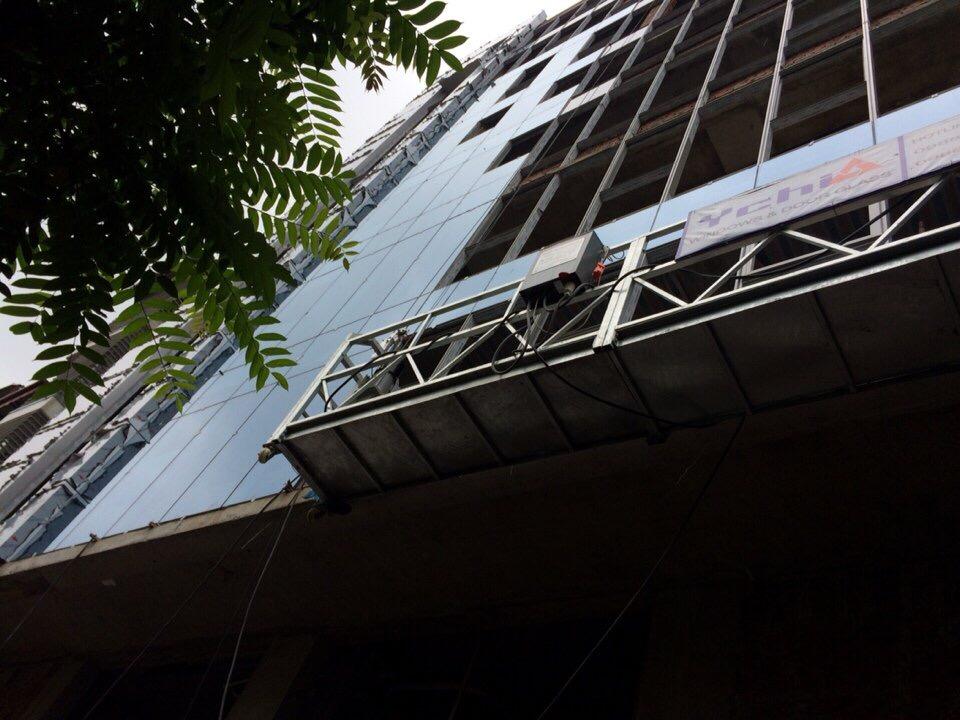 Dự án lắp kính bề mặt cho tòa nhà cao tầng