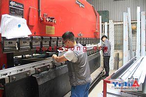 sản xuất inox thang máy