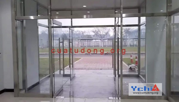 Hướng dẫn vệ sinh cửa kính với các vật dụng đơn giản