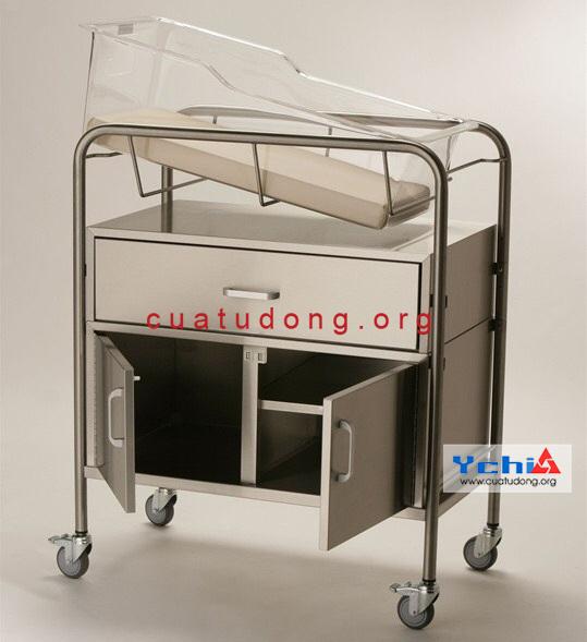 Xe đẩy gây mê cấp cứu inox sản xuất tại Ychi Việt Nam