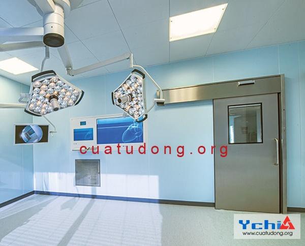 cửa bệnh viện